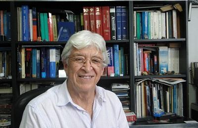Prof. Guillermo Solórzano